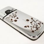 Телефон с гравировкой – самый модный аксессуар сезона
