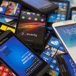 Смартфонов слишком много, новые покупают всё реже